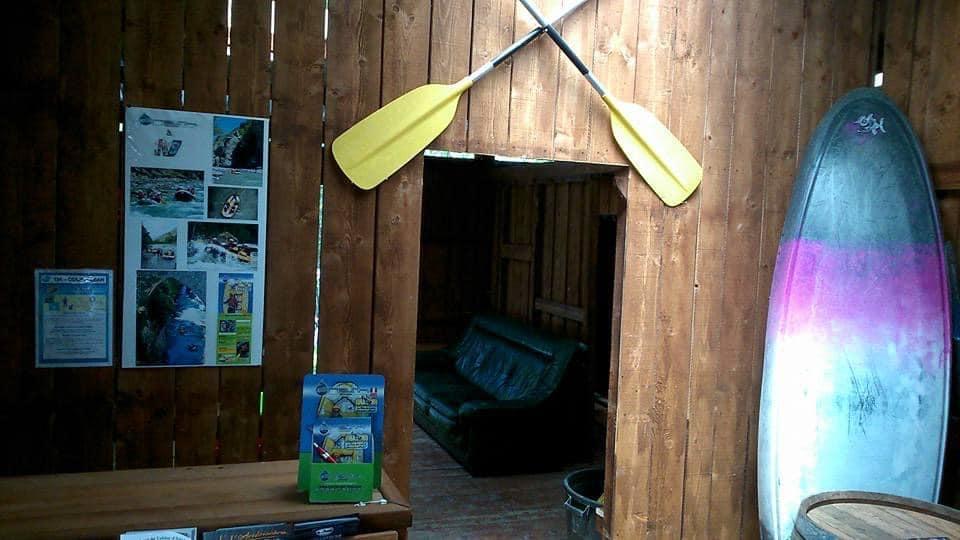 Interieur de la base de loisirs Fresh Rafting ubaye